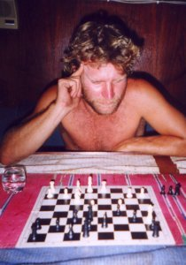 Börje plays chess, slowly (chess.jpg)